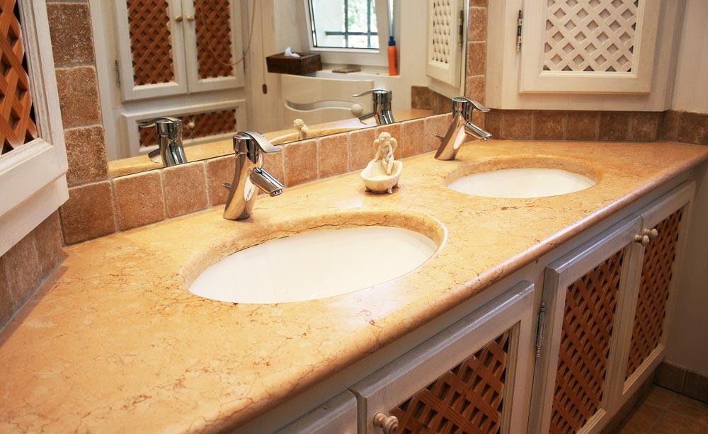 Salle de bain en pierre de taille